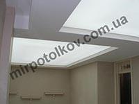 светящийся полупрозрачный потолок в гостиной