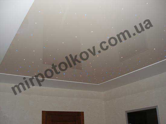 звездное небо на светлом потолке